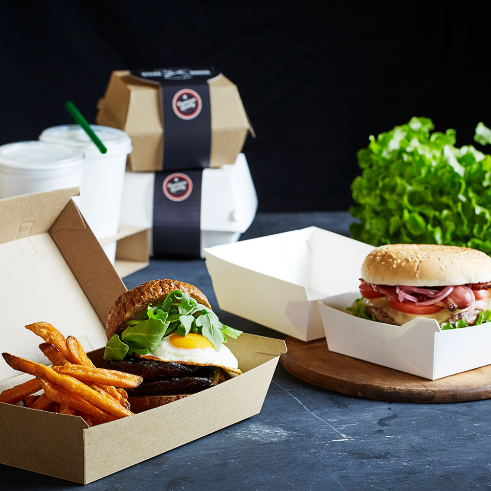 Image of burgers sitting in Endura cartons